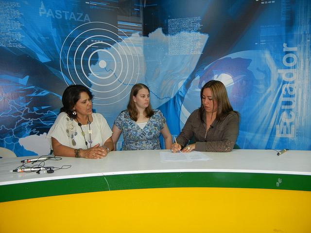 MedShare's Shipments Manager, Amanda Paniagua, center